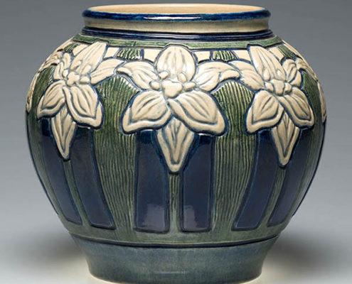 Leona Nicholson, artist, Daylily vase, c. 1904