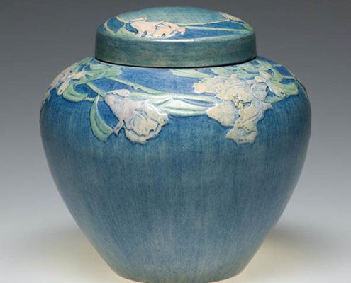 Henrietta Davidson Bailey, Pomegranate blossom lidded ginger jar, 1918